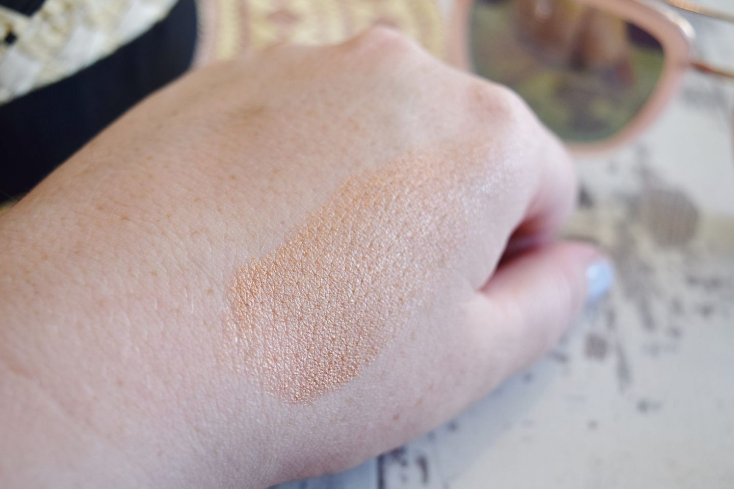 Bobbi Brown Glow Stick in Sunkissed swatch