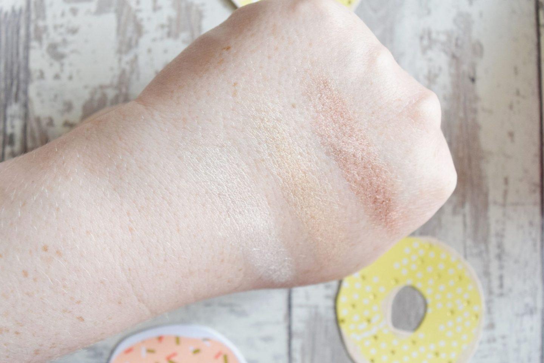 Contour Cosmetics Spotlight Illuminating Highlighting Palette swatches