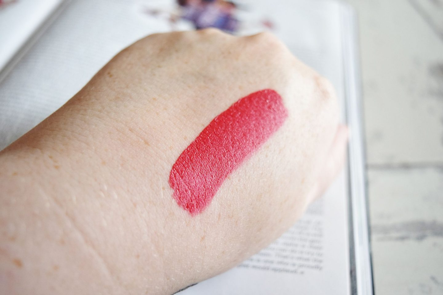 Bare Minerals Statement Matte Liquid Lip Colour in Juicy swatch