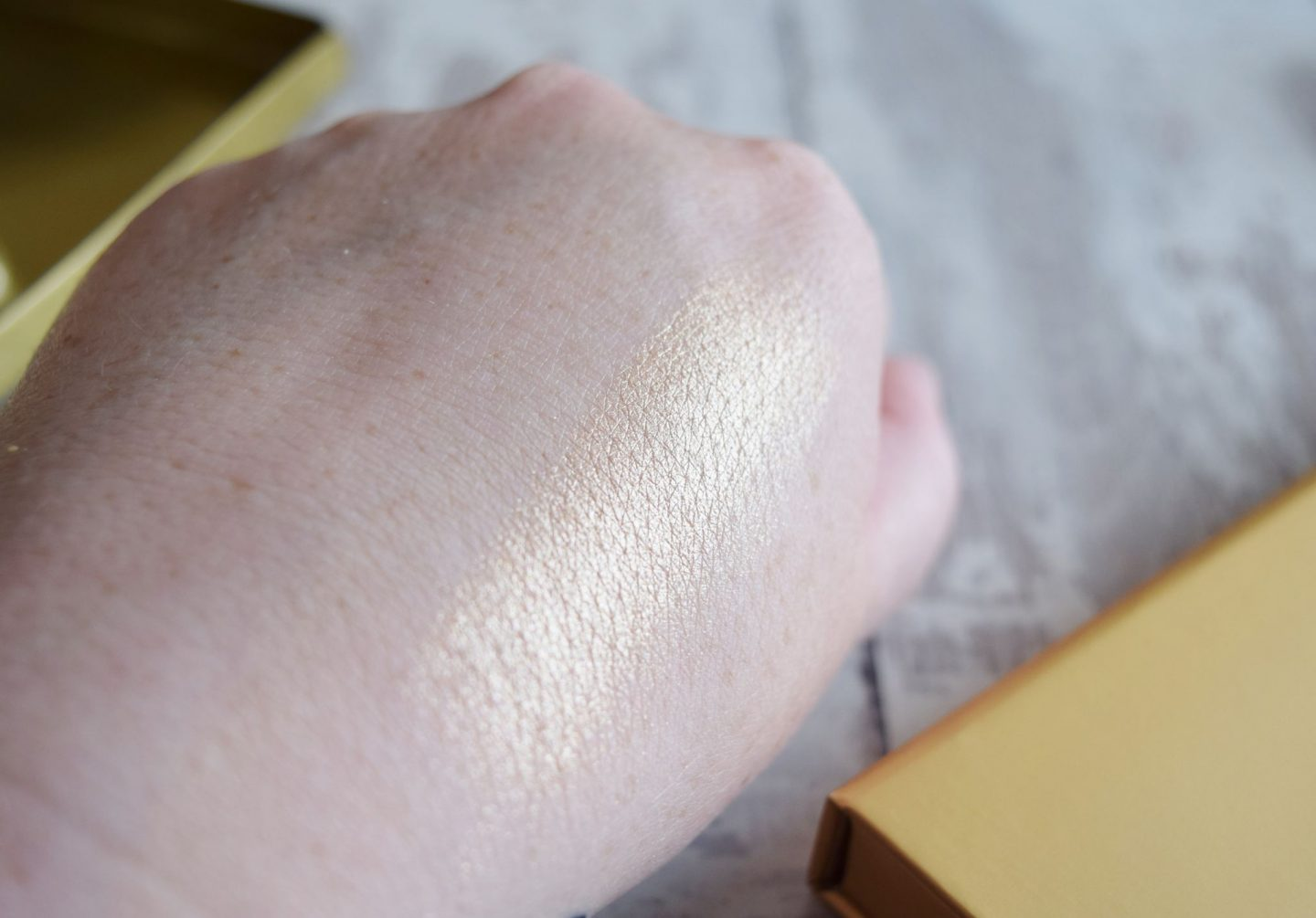 Laura Geller Beauty Baked Gelato Swirl Illuminator in Gilded Honey swatch