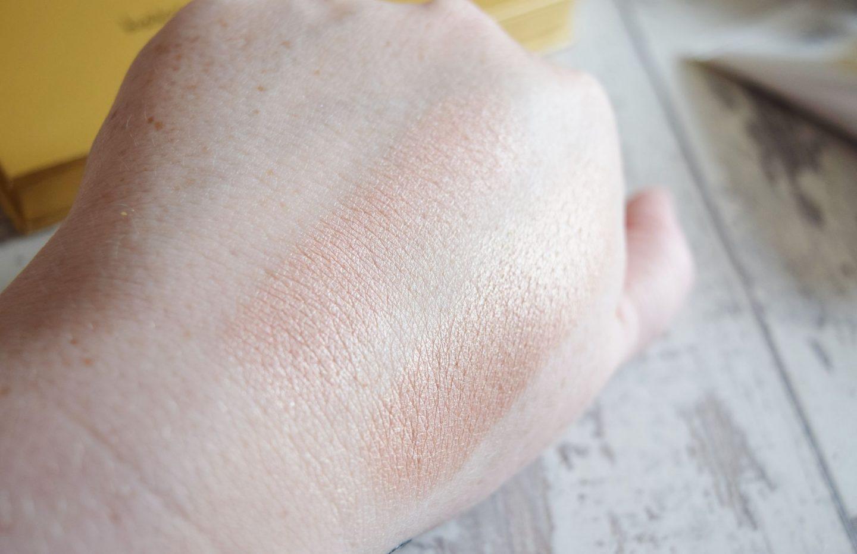 Laura Geller Beauty Baked Gelato Swirl Illuminator Palette Swatches