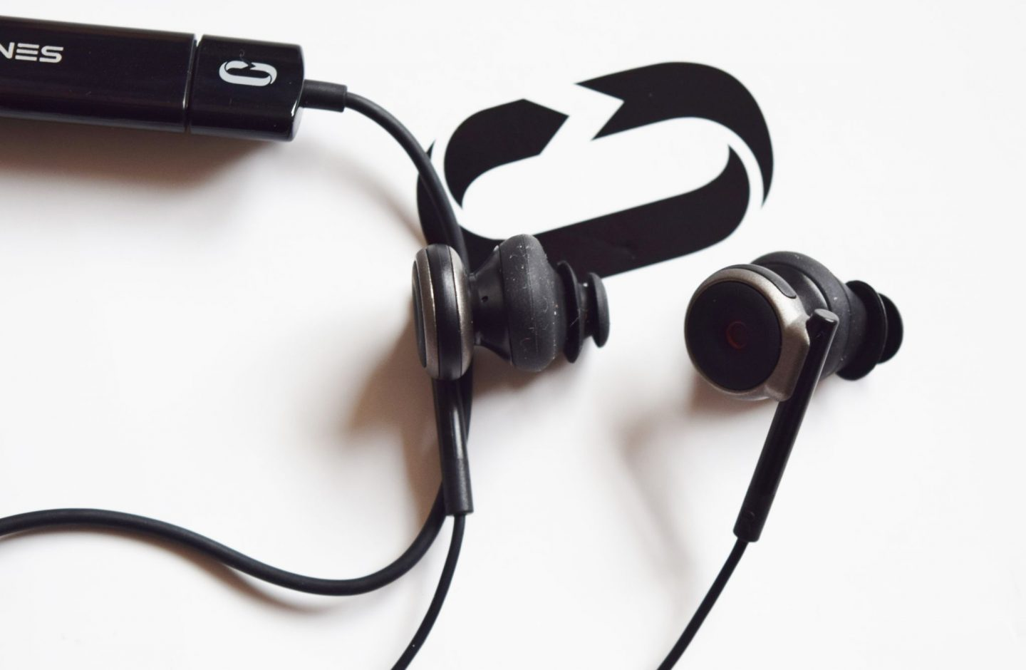 Lifelike 3D audio recording headphones