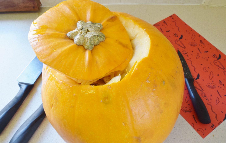 cut a pumpkin lid