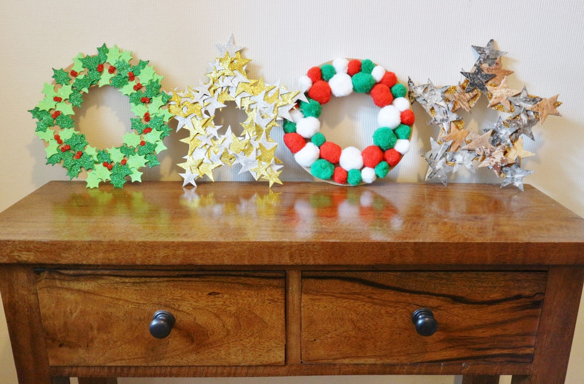 DIY Cardboard Christmas Wreaths