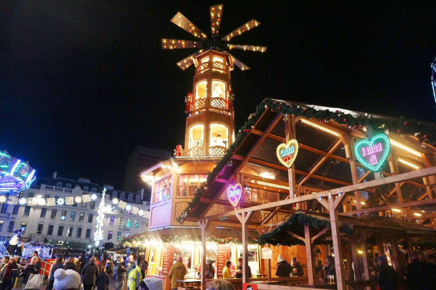 glasgow christmas market at night