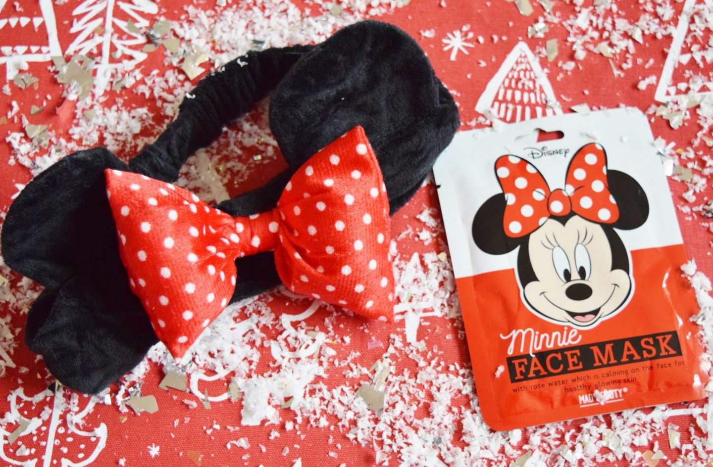 mad beauty disney minnie mouse face mask