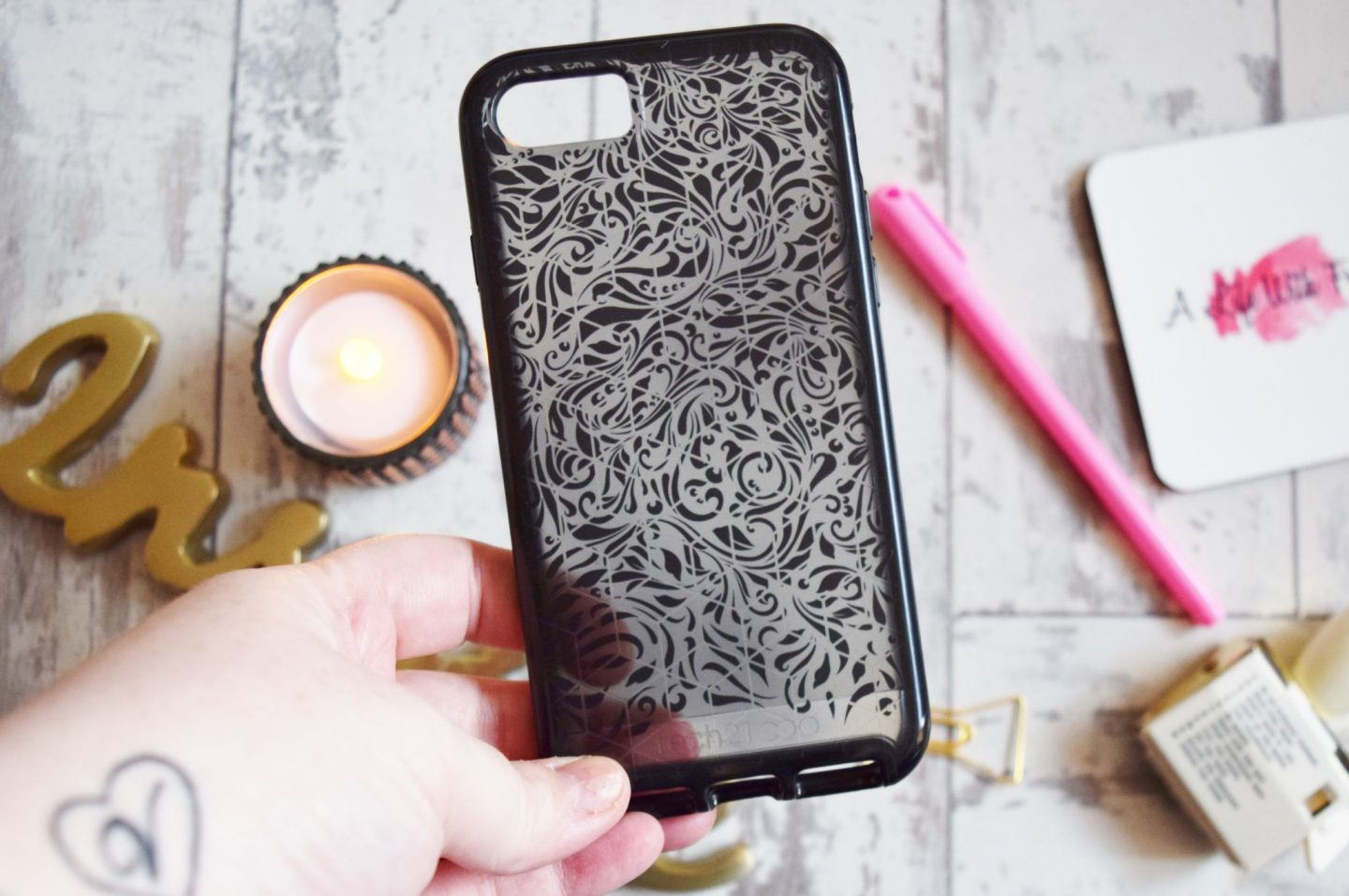 tech21 Evo Elite Lace Edition for iPhone 7 / iPhone 8