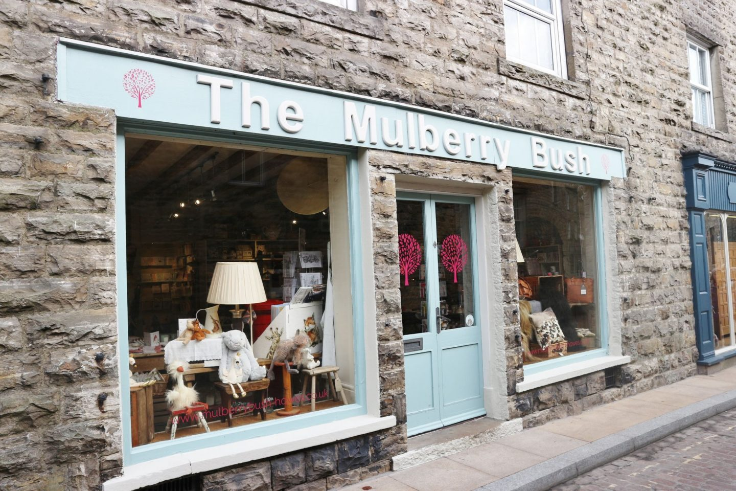 the mulberry bush hawes