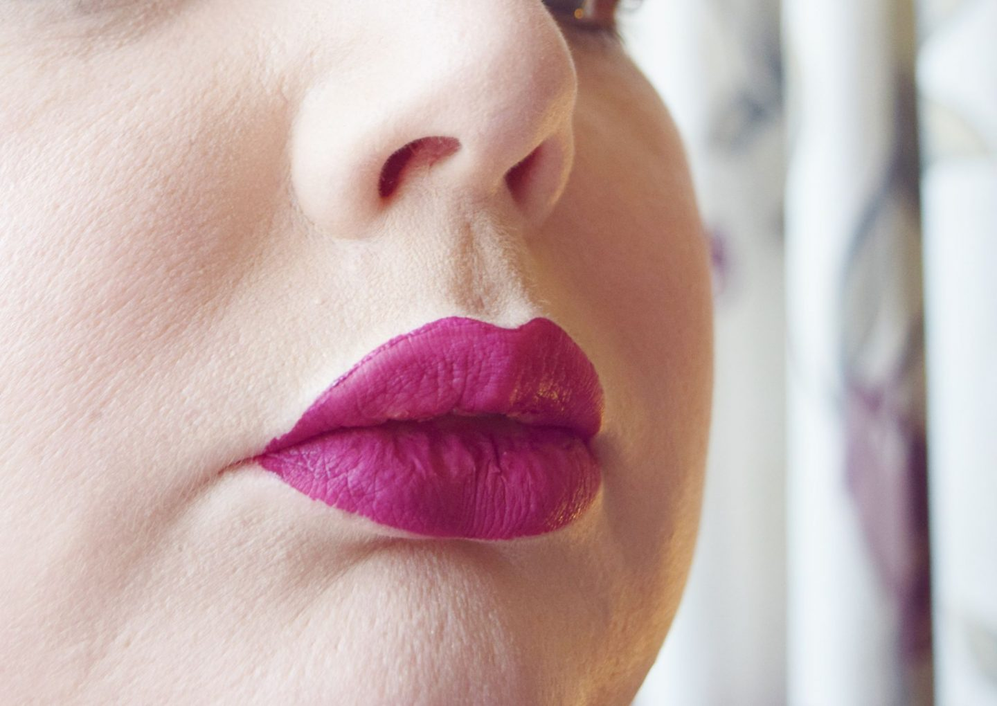 Estee Lauder Pure Color Envy Liquid LipColor in Orchid Flare lip swatch