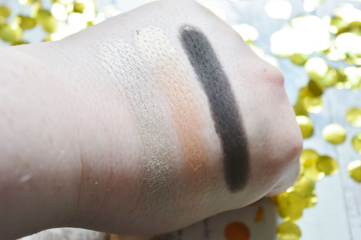 Bobbi Brown Dreaming of Capri Nudes Eyeshadow Palette swatches