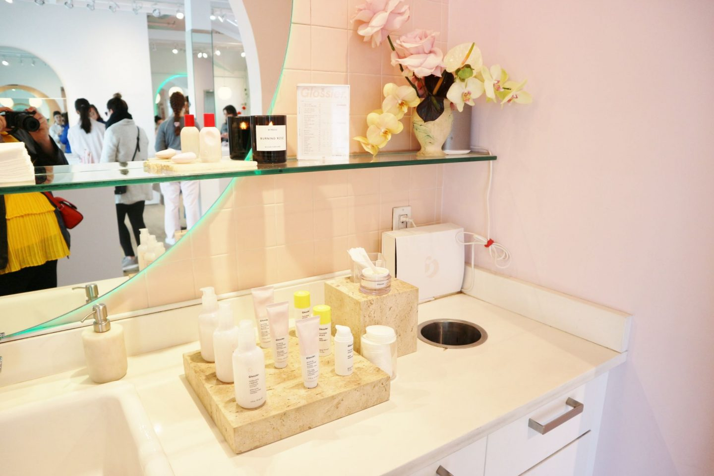 glossier showroom interior