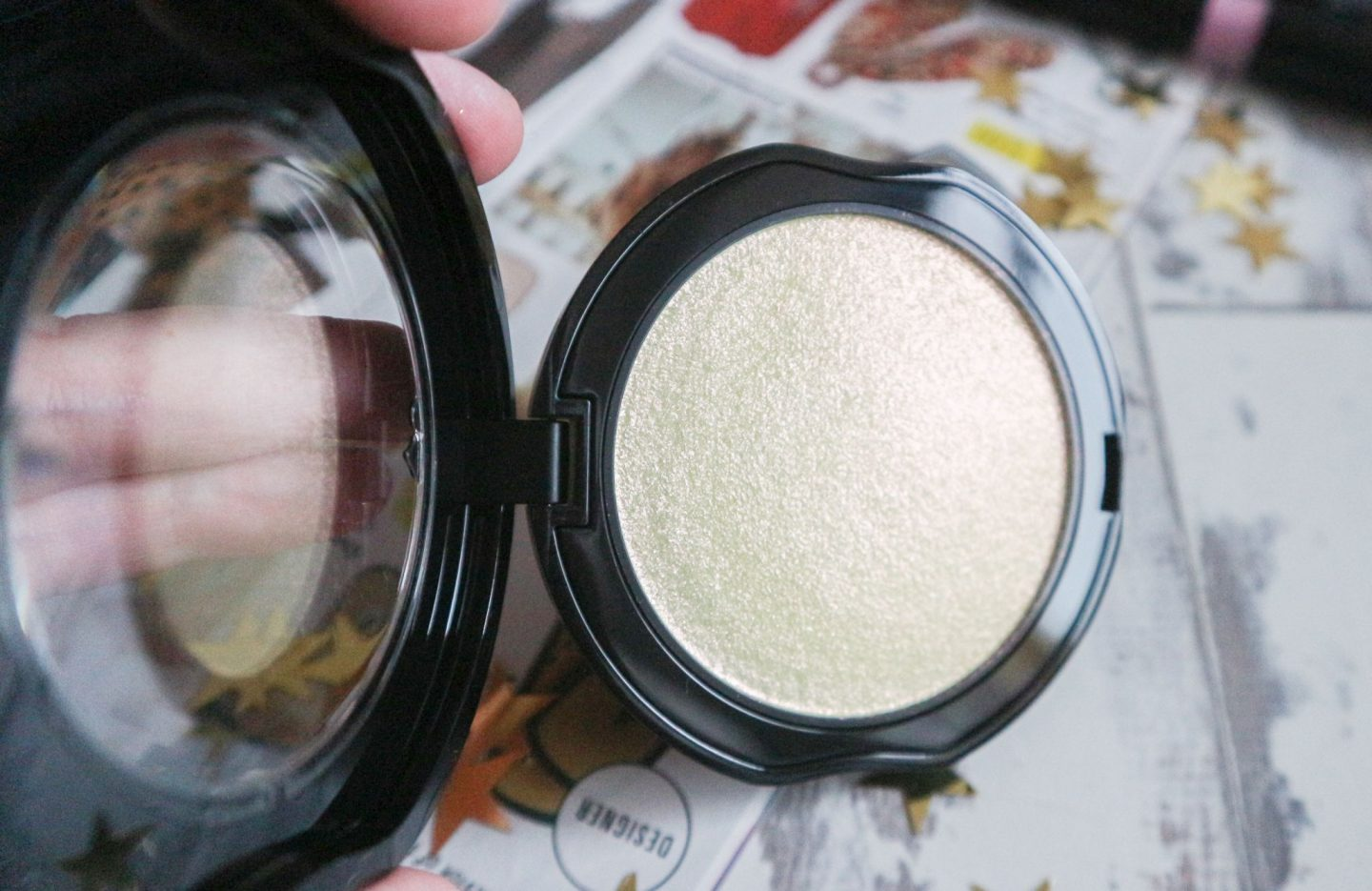Kat Von D Metal Crush Extreme Highlighter in Gravitron