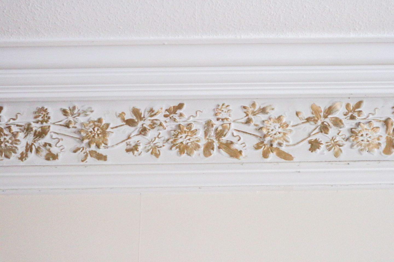 ceiling border
