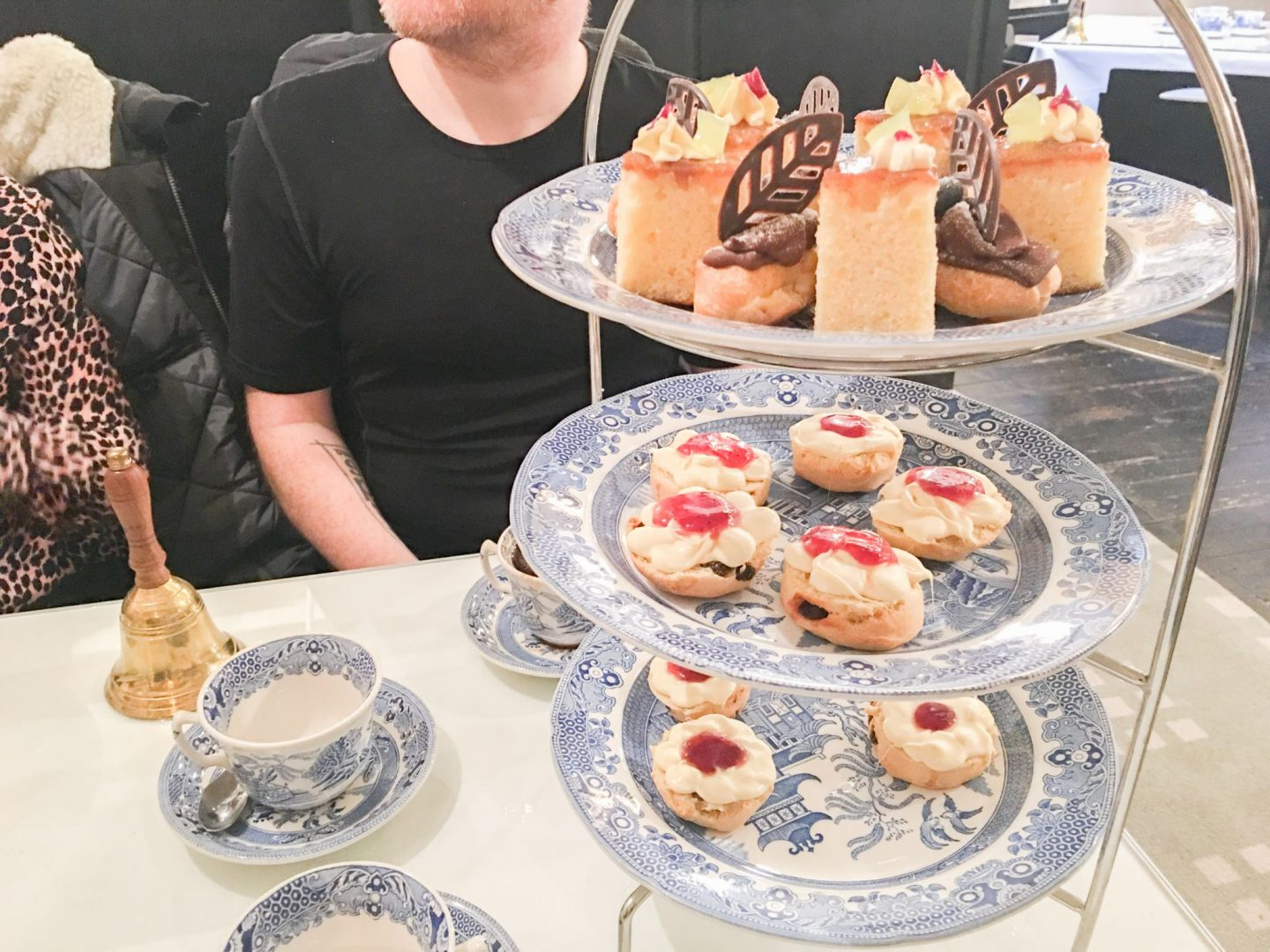 Mackintosh at the Willow afternoon tea