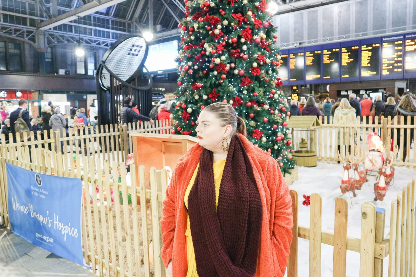 glasgow central station christmas tree