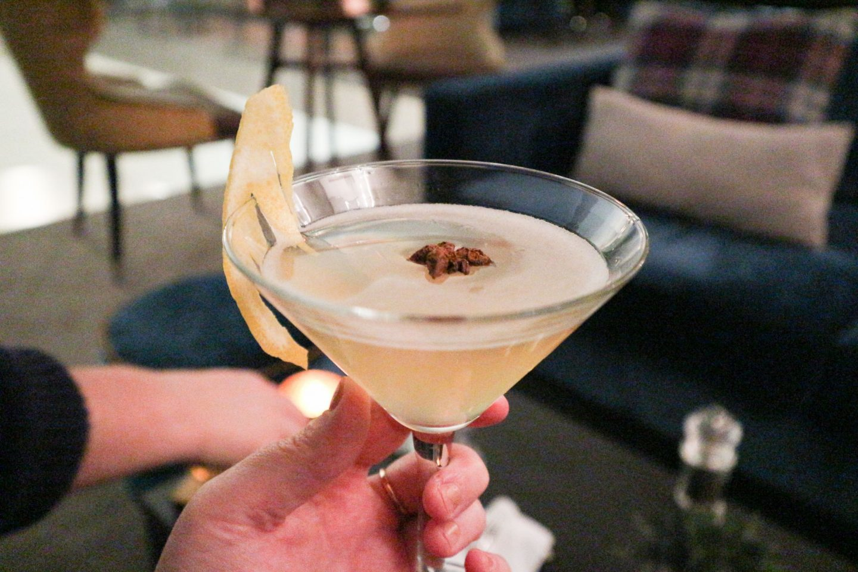 the glasshouse edinburgh the snug appletini cocktail