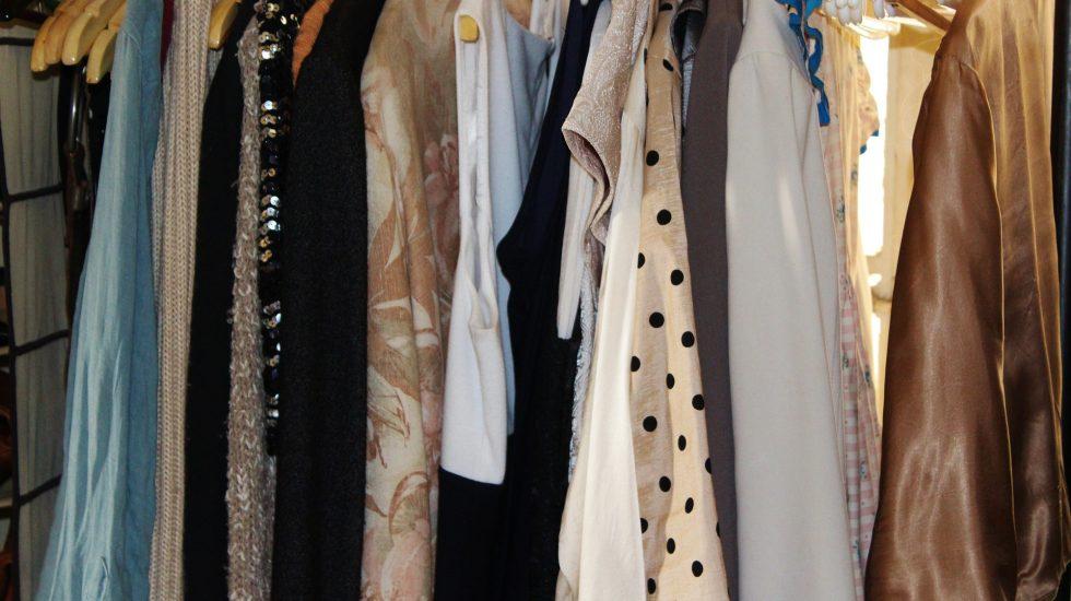 women's clothes rack