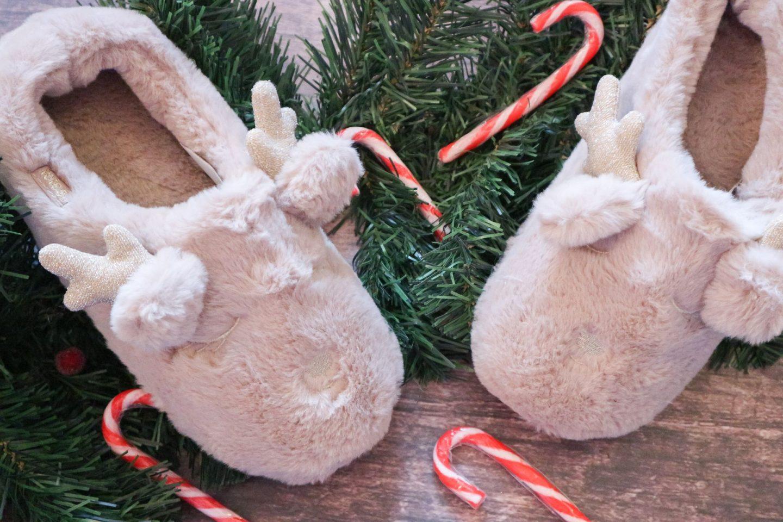 totes Ladies Novelty Reindeer Slippers