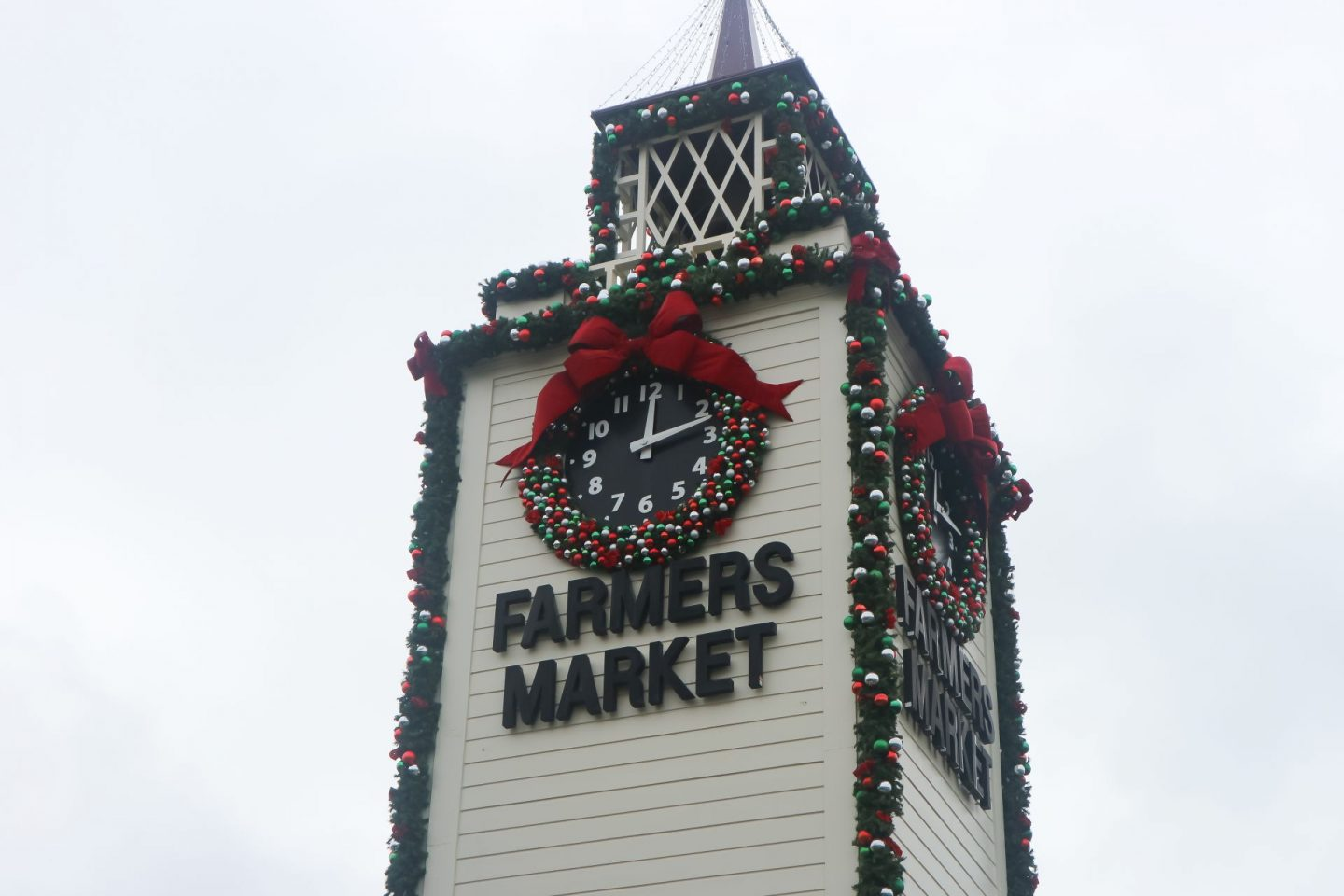 los angeles original farmers market holiday decorations