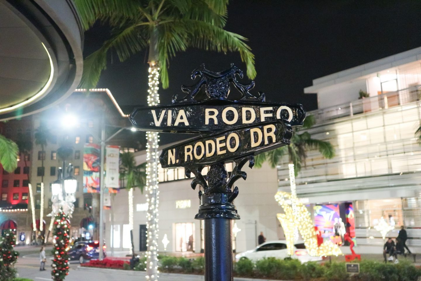 Rodeo Drive holiday decor