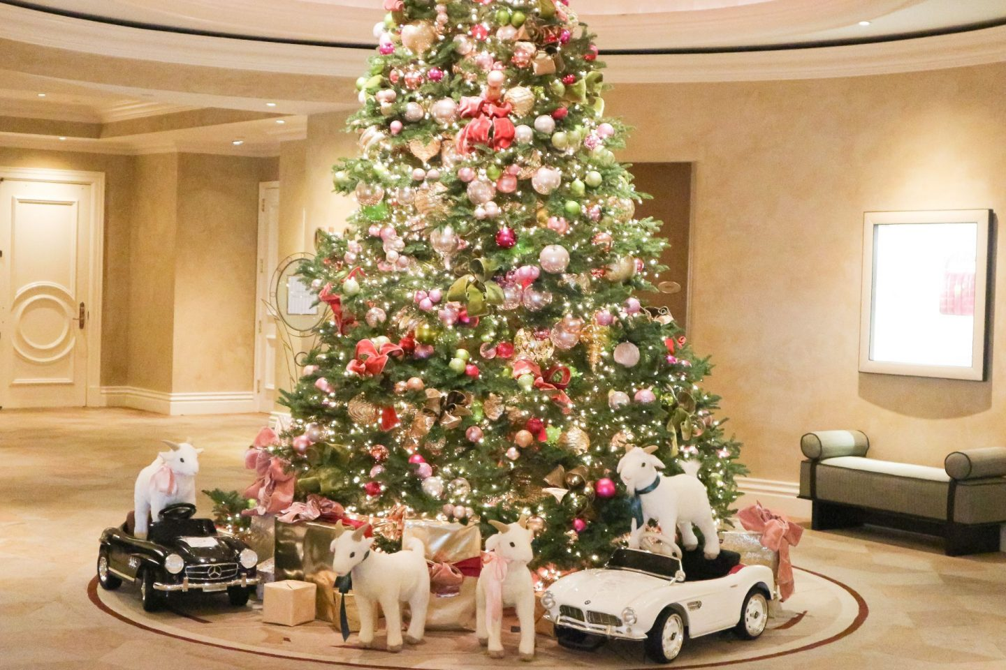the beverly hills hotel Christmas tree 2019