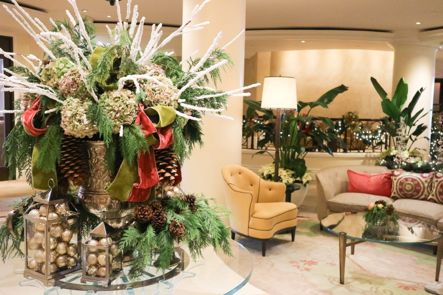 the beverly hills hotel festive lobby