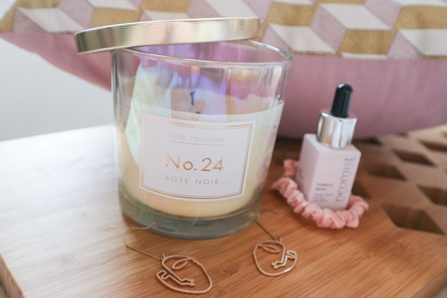 Aldi Rose Noir Candle