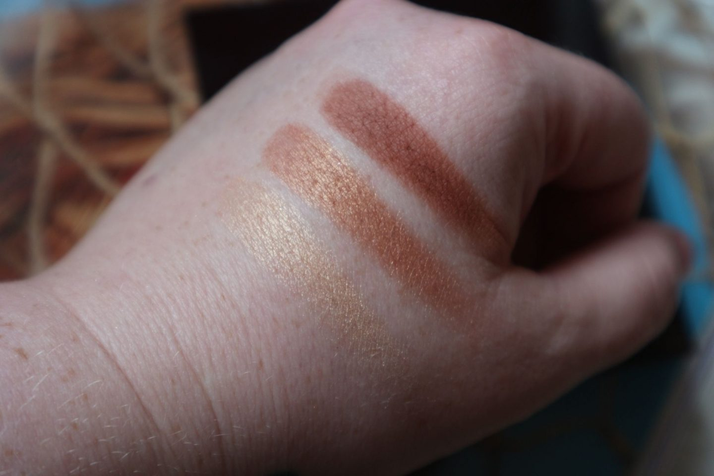 Charlotte Tilbury Instant Look in a Palette in Stoned Rose swatches