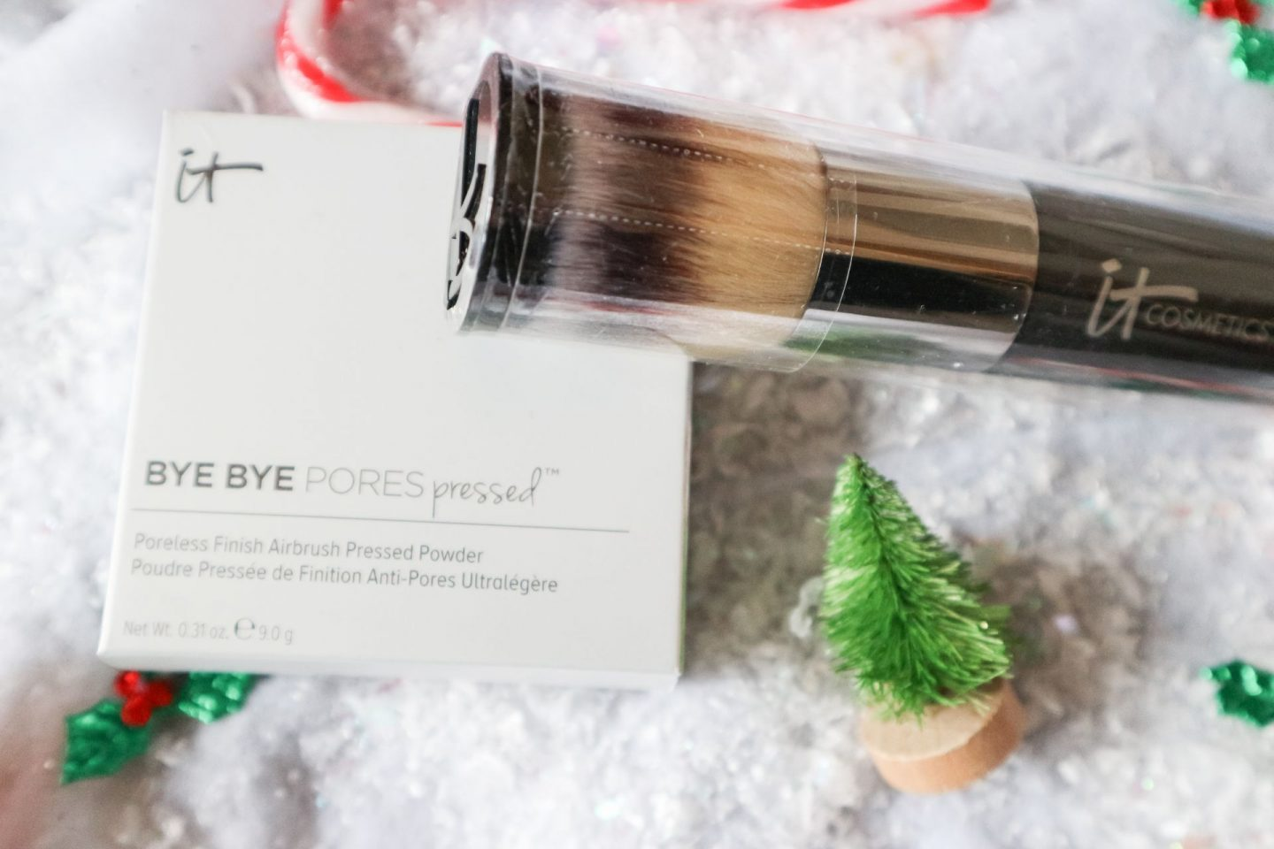 iT Cosmetics Bye Bye Pores Pressed Translucent Powder review