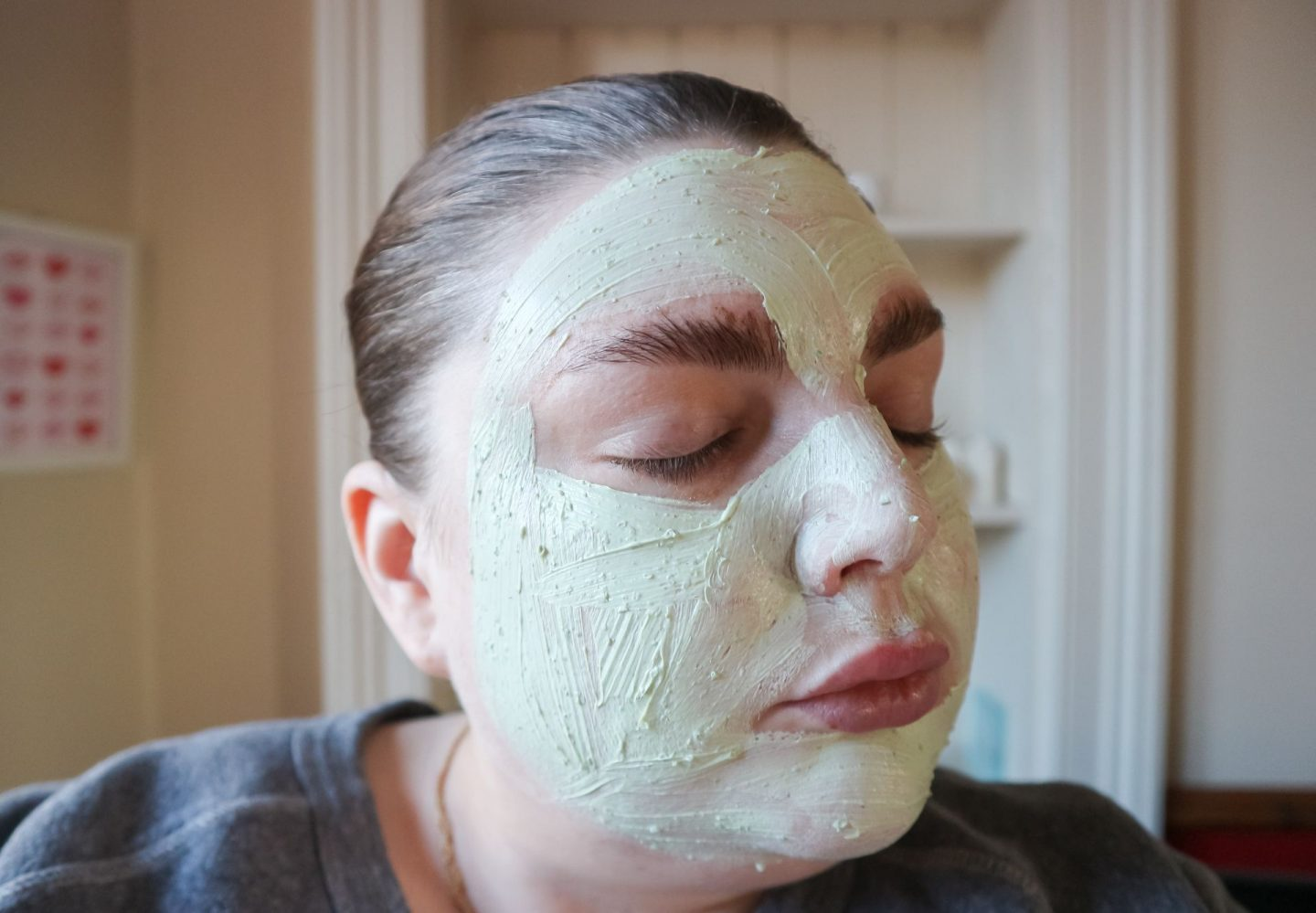 Que Bella Beauty Cooling Avocado Clay Mask