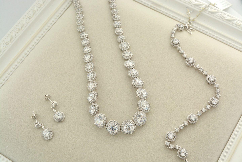 simple diamond jewellery